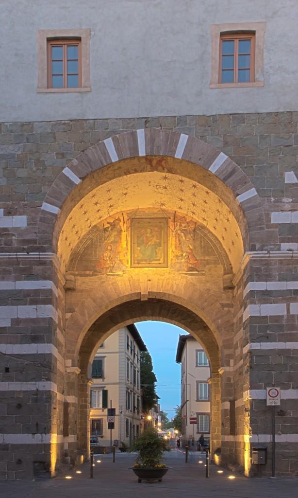 Porta San Gervasio at dusk